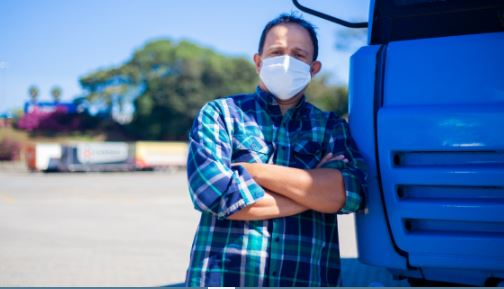 Campanha da Repom e do Freto oferece apoio a 30 mil caminhoneiros no Brasil