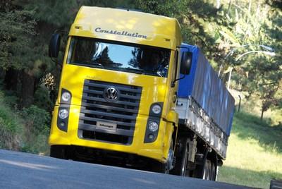 Volkswagen Constellation completa 15 anos como família de caminhões mais vendida no país