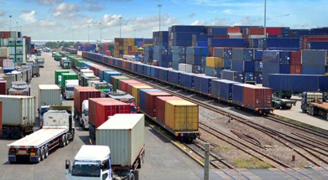Transporte mantém tendência de recuperação e cria 8.606 vagas em outubro