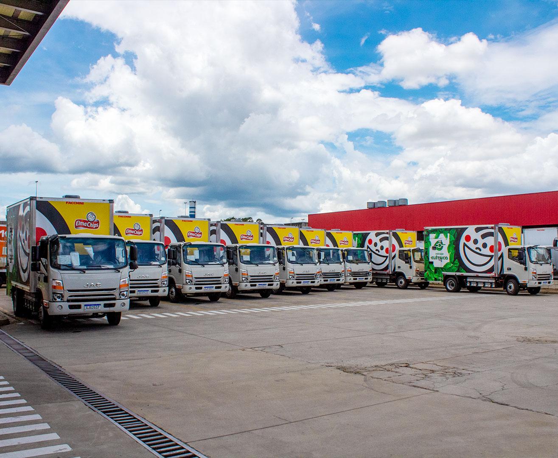 Pepsico e DHL receberem o caminhão urbano 100% elétrico da JAC Motors