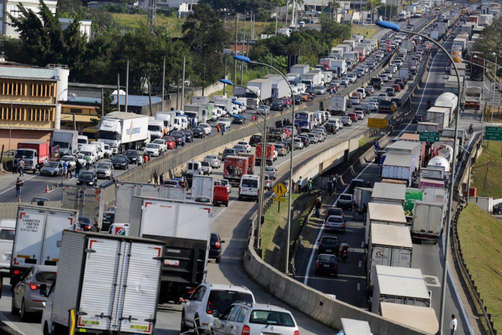 Possibilidade de greve dos caminhoneiros em fevereiro é afastada pela CNTA
