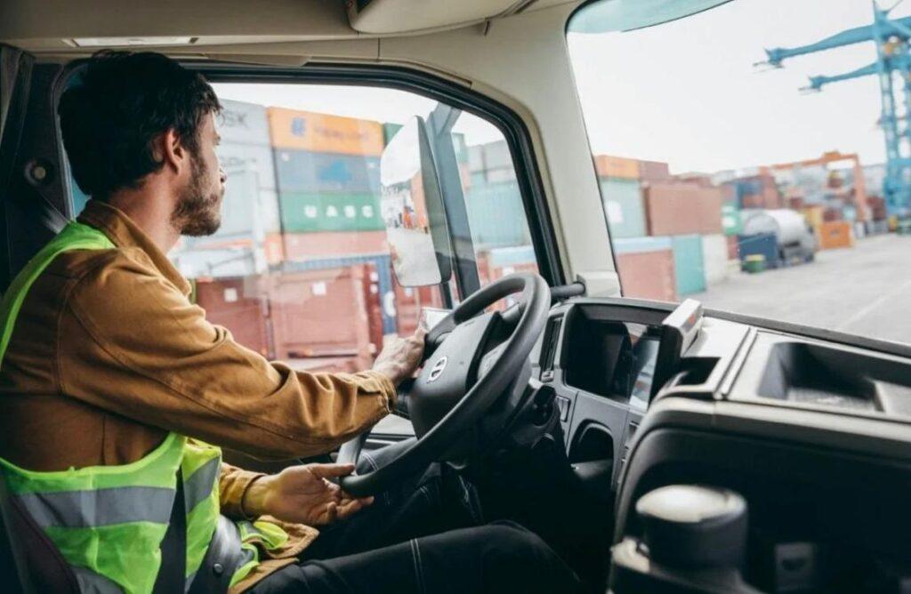 Transporte de carga tem saldo positivo de empregos em 2020