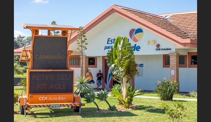 Instituto CCR e CCR AutoBAn disponibilizam cesta de alimentos para caminhoneiros