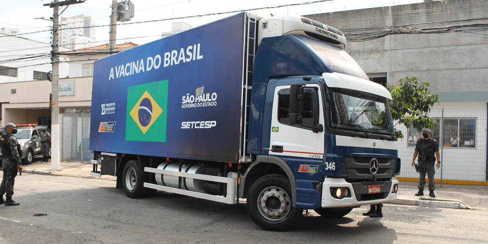 São Paulo cria força-tarefa para acelerar entrega de vacinas do Butantan ao Brasil