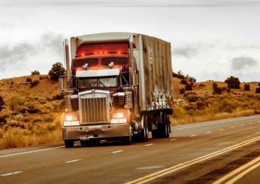 Governo deve anunciar pacote com benefícios para caminhoneiros