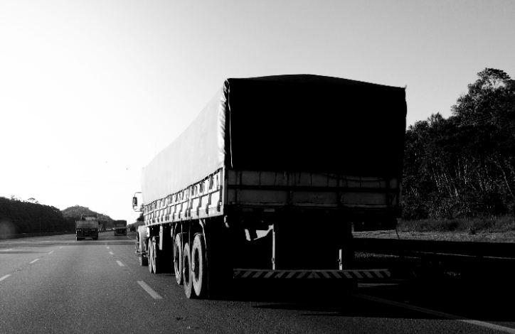 Brasil registra 14 mil casos de roubos de cargas em rodovias em 2020, segundo NTC&Logística