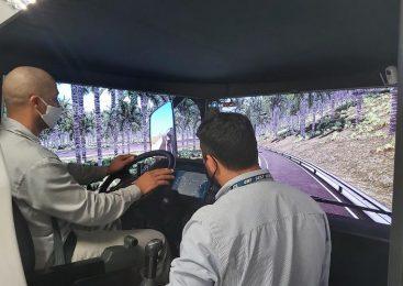 Treinamentos em simuladores de direção do SEST SENAT contribuem para uma direção mais segura