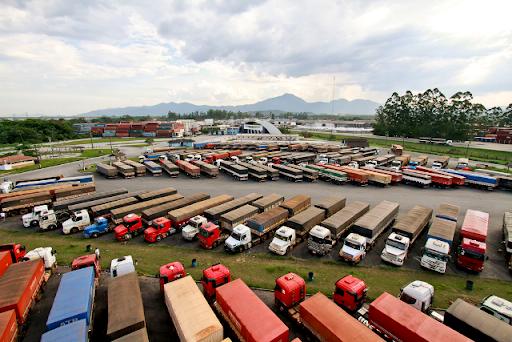 Novos pontos de parada e descanso são certificados em rodovias brasileiras