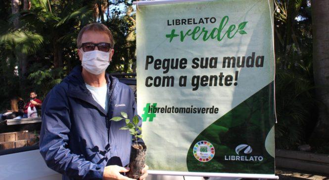 """Librelato realiza campanha """"Plante Amor"""" e distribui 500 mudas de árvores"""