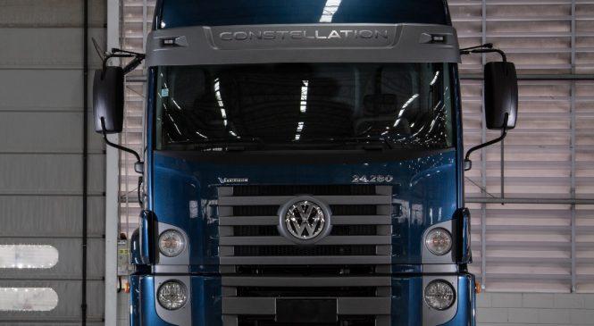 Dunlop e VW Caminhões e Ônibus celebram parceria de fornecimento de equipamento original para veículos de carga