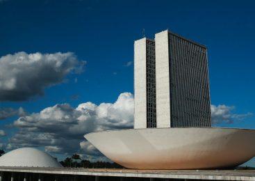 Relator da reforma tributária propõe corte de 12,5 pontos no IRPJ