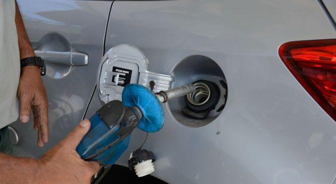Preço da gasolina volta a subir nos postos de combustíveis
