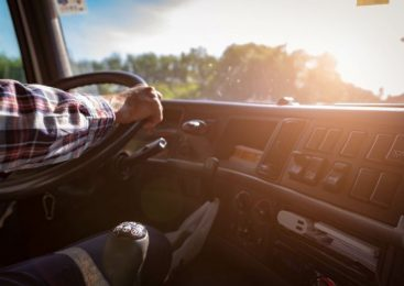 Dia do Caminhoneiro: a importância do exame toxicológico obrigatório para contribuir na redução de acidentes de trânsito